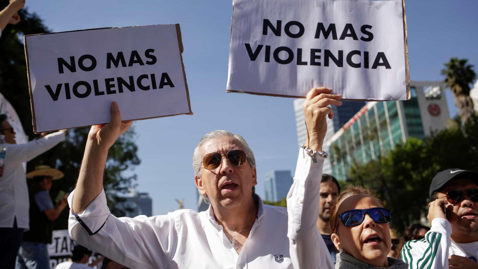 Pelo menos 20 pessoas morreram em confrontos no México