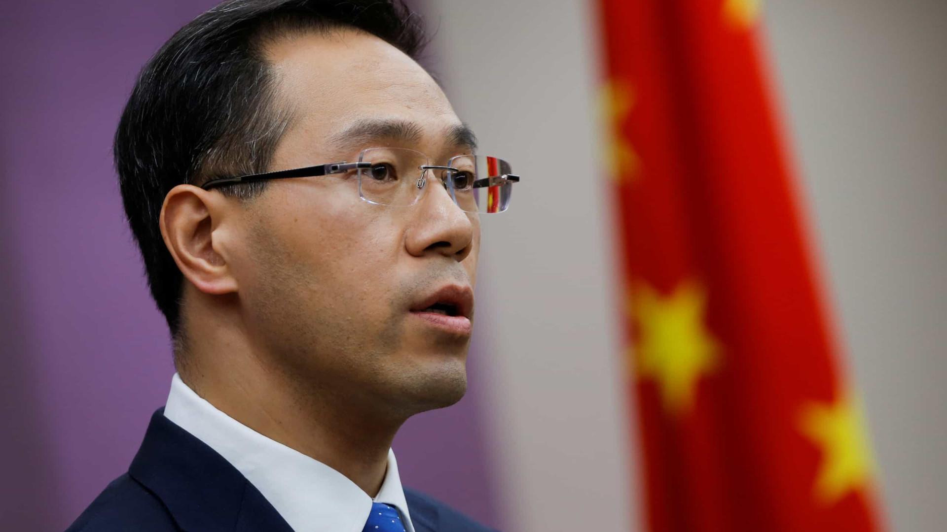 China diz que negociações comerciais com EUA continuam em andamento