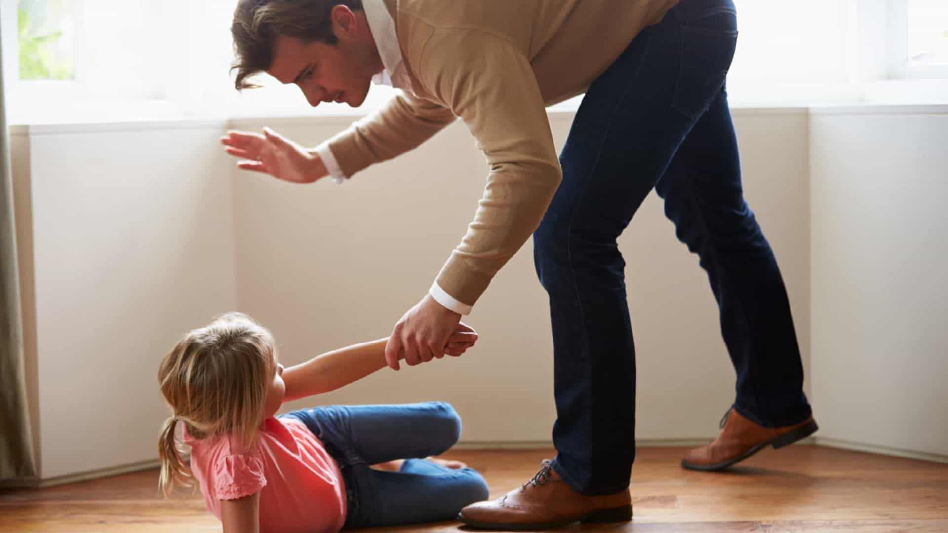 Cinco coisas que jamais deve fazer com os filhos dos outros
