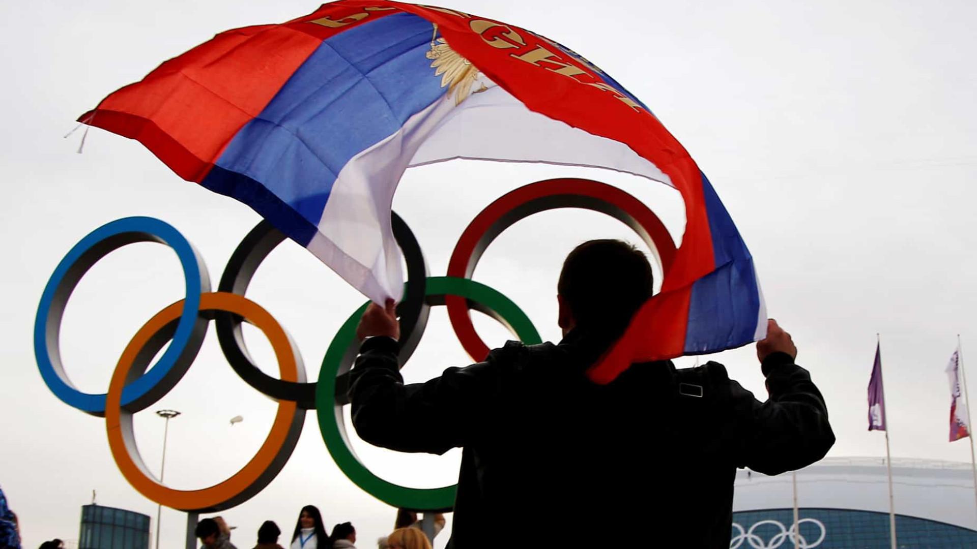 Fifa adota cautela e pedirá esclarecimentos sobre suspensão da Rússia