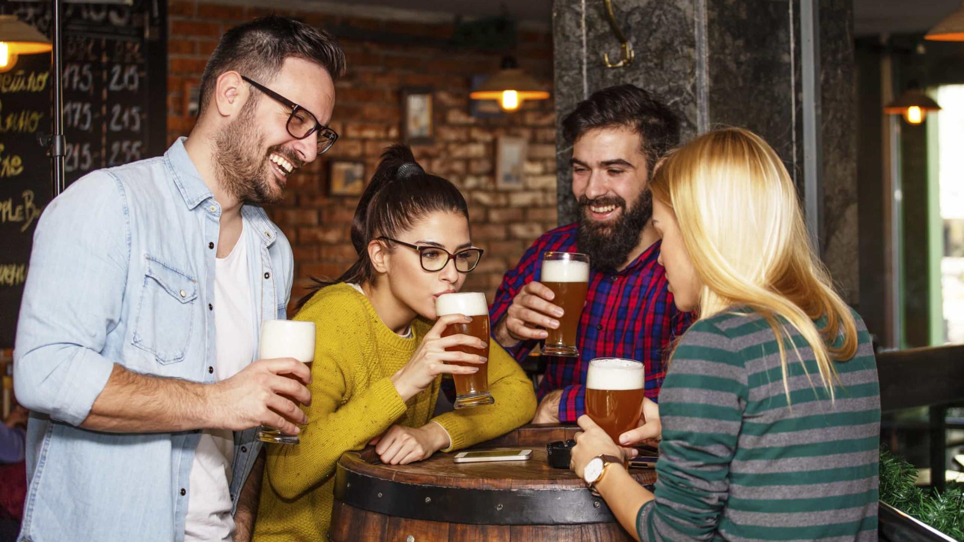 Beber cerveja uma vez por dia faz bem ao intestino, diz estudo