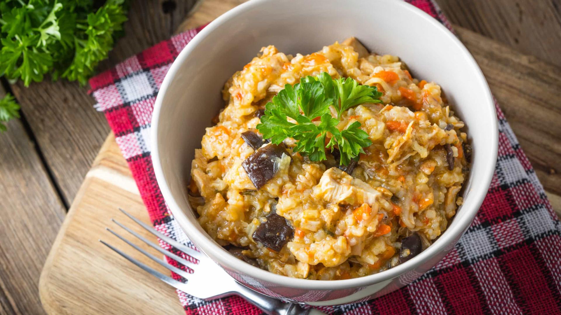 Aprenda a fazer um delicioso risoto de quinoa e abóbora