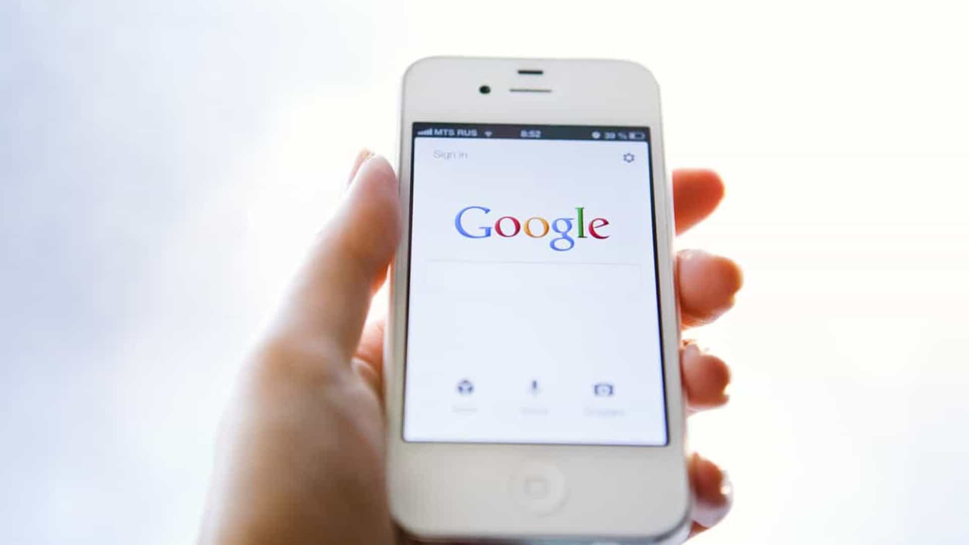 Pesquisa do Google vai deixar guardar filmes e séries em 'watchlist'