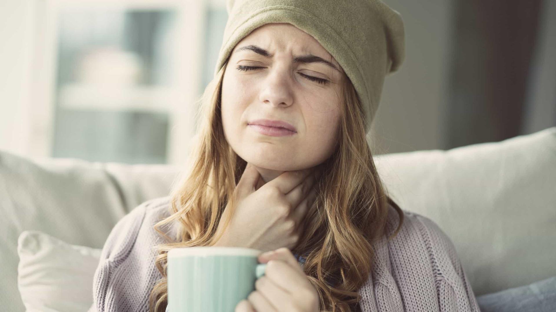 Cinco dicas para aliviar a garganta irritada e quando deve ir ao médico