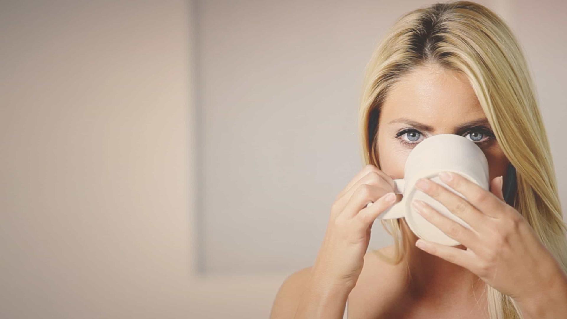 Menstruação atrasada? Tome este chá