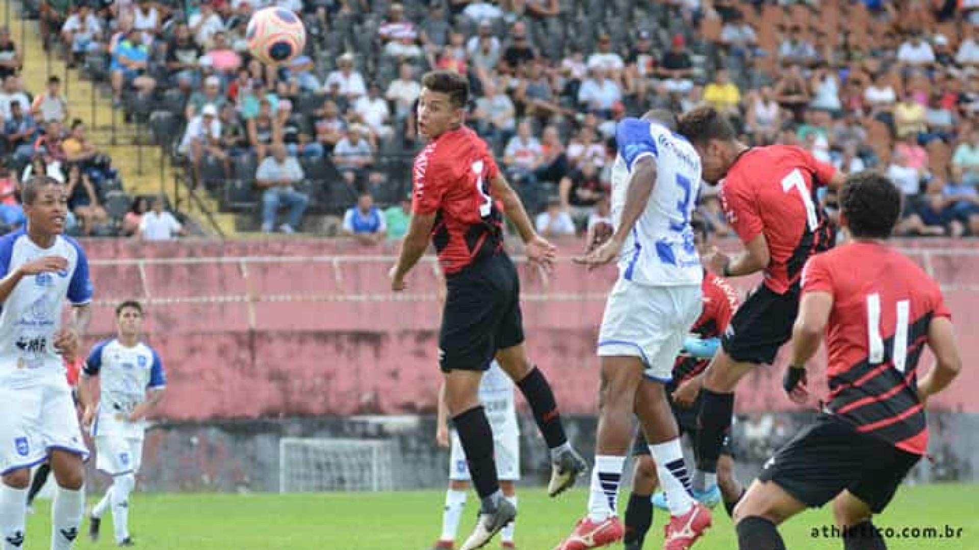 Botafogo empata e Athetico-PR se classifica para o mata-mata da Copinha