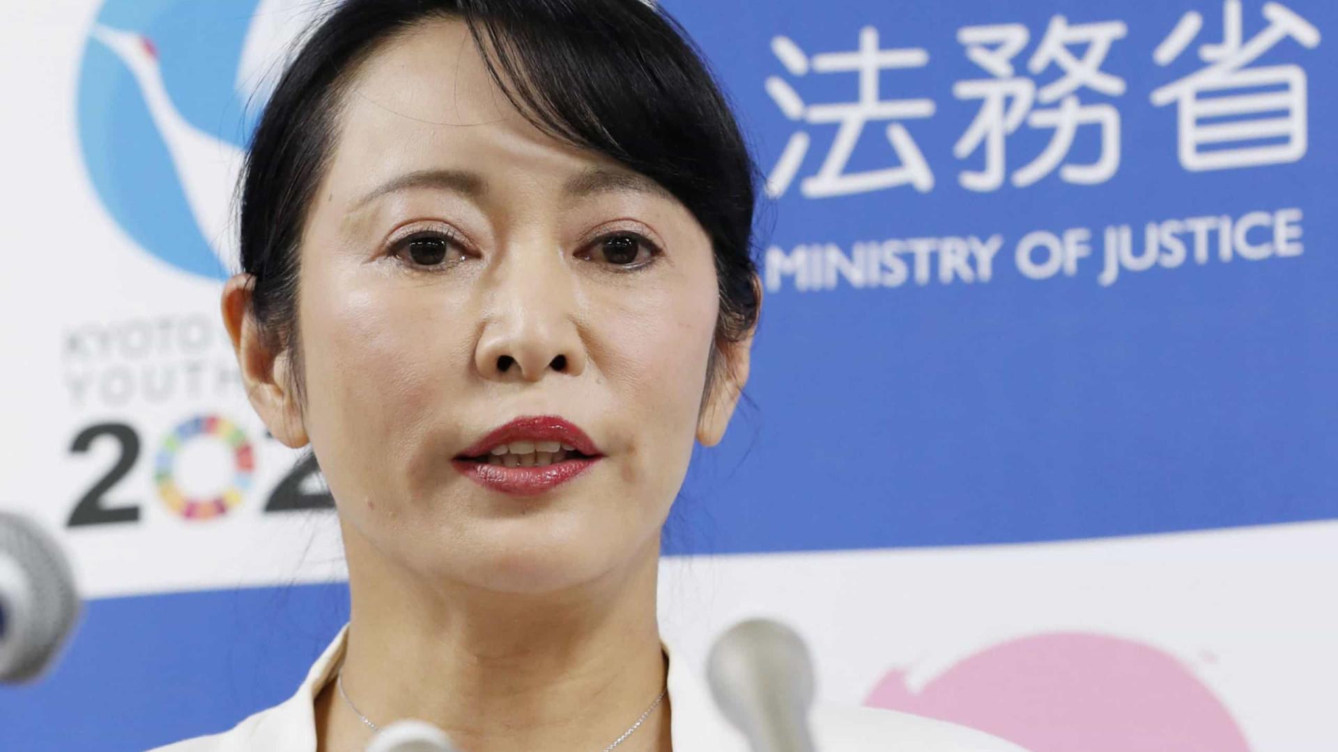 Governo japonês rebate acusações de Ghosn