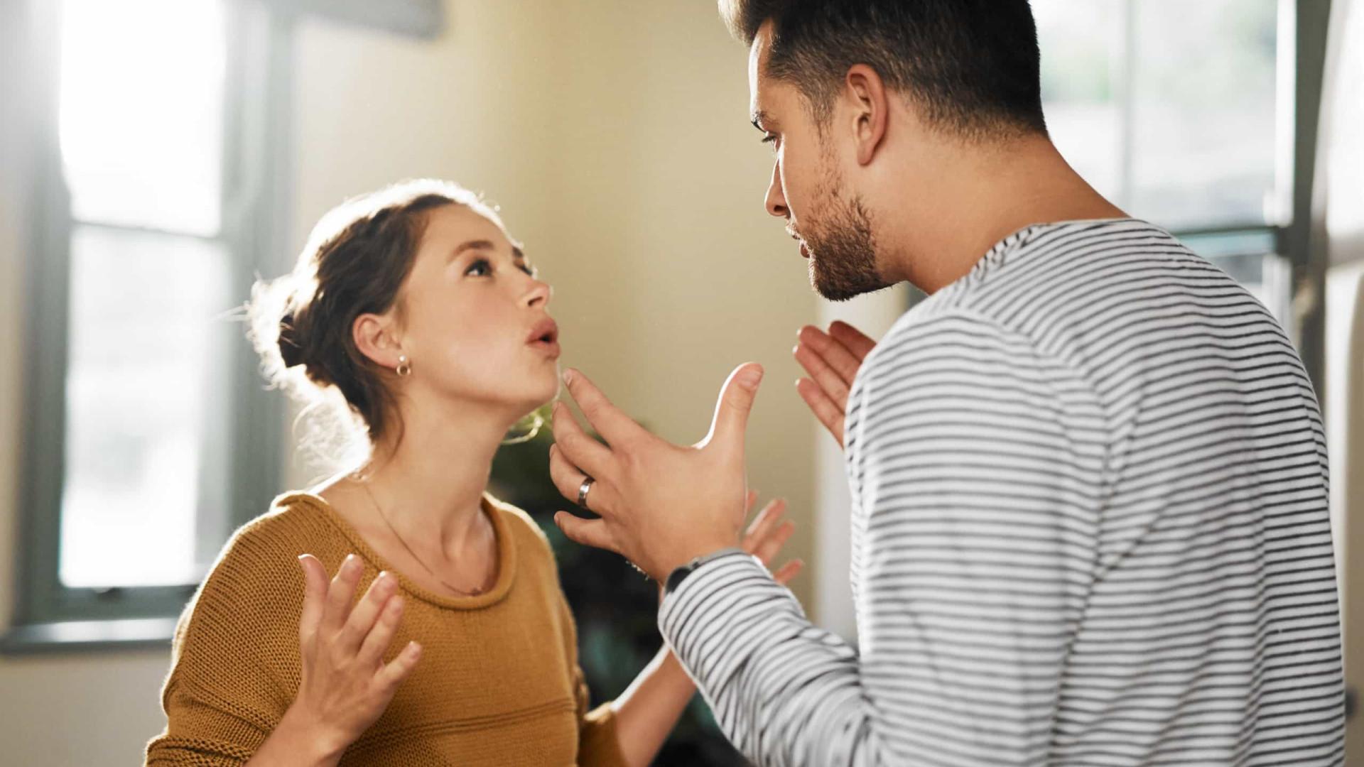 Quatro sinais de alarme que indicam que está numa relação abusiva