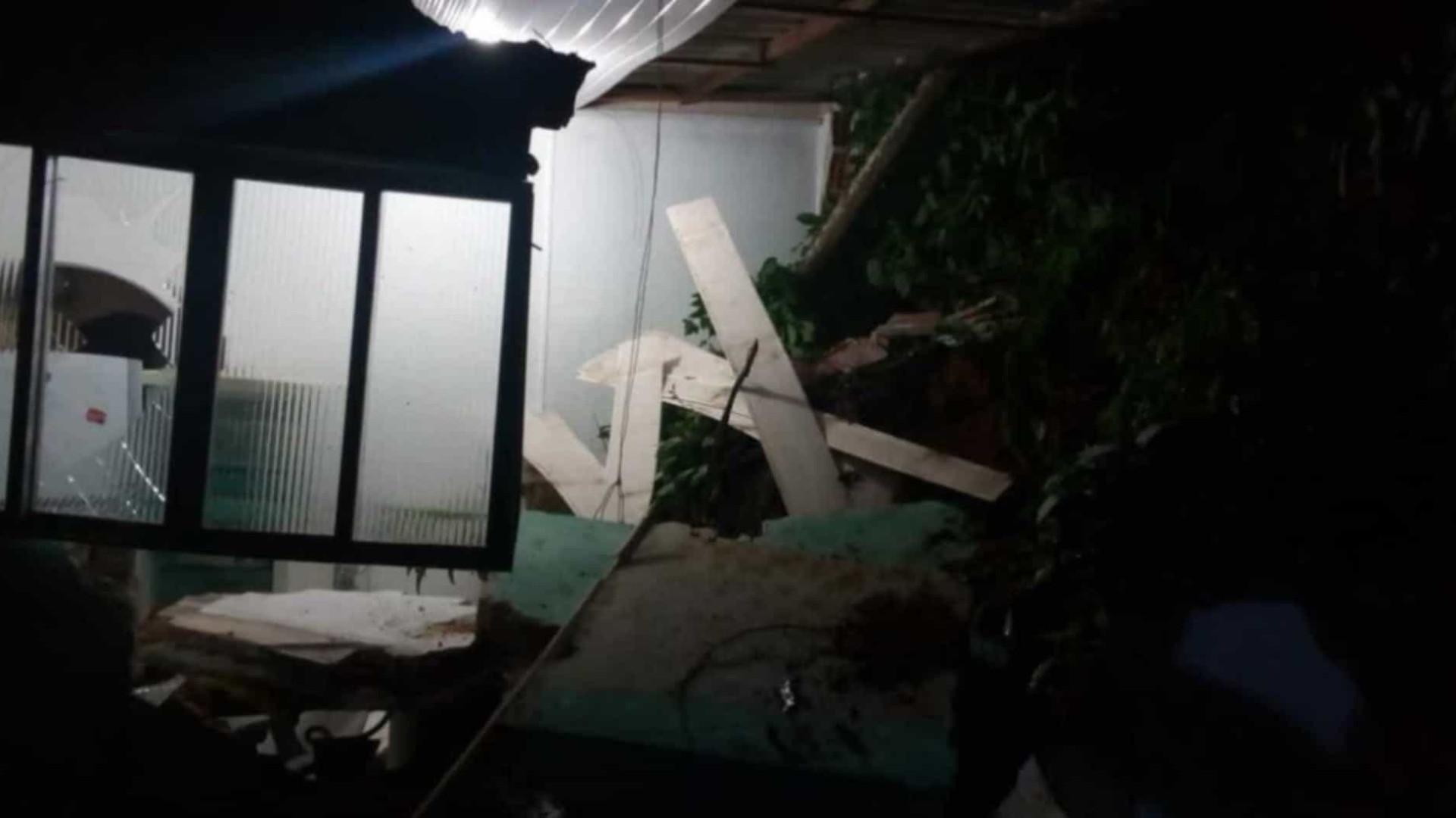 Deslizamento provoca interdição de 30 imóveis na zona leste de SP