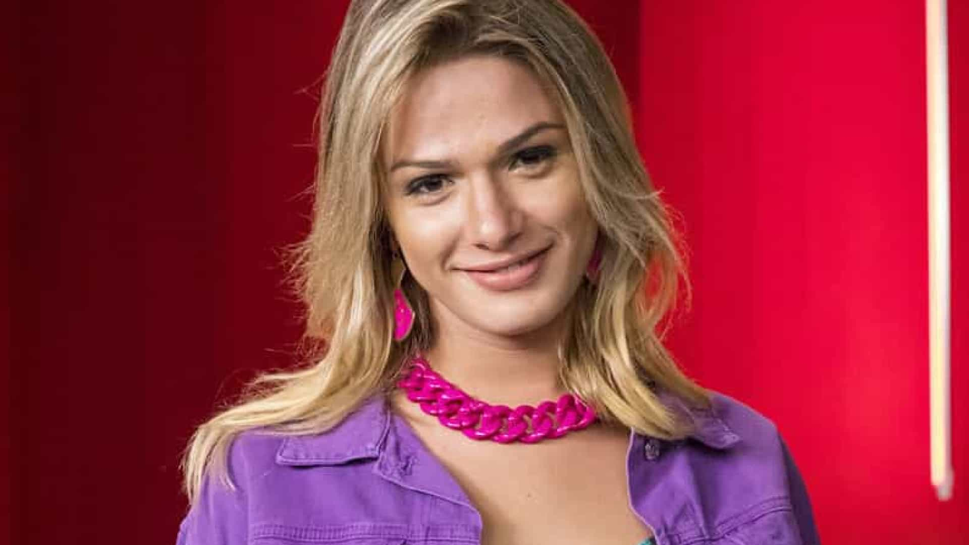 Glamour Garcia registra ocorrência contra ex-marido