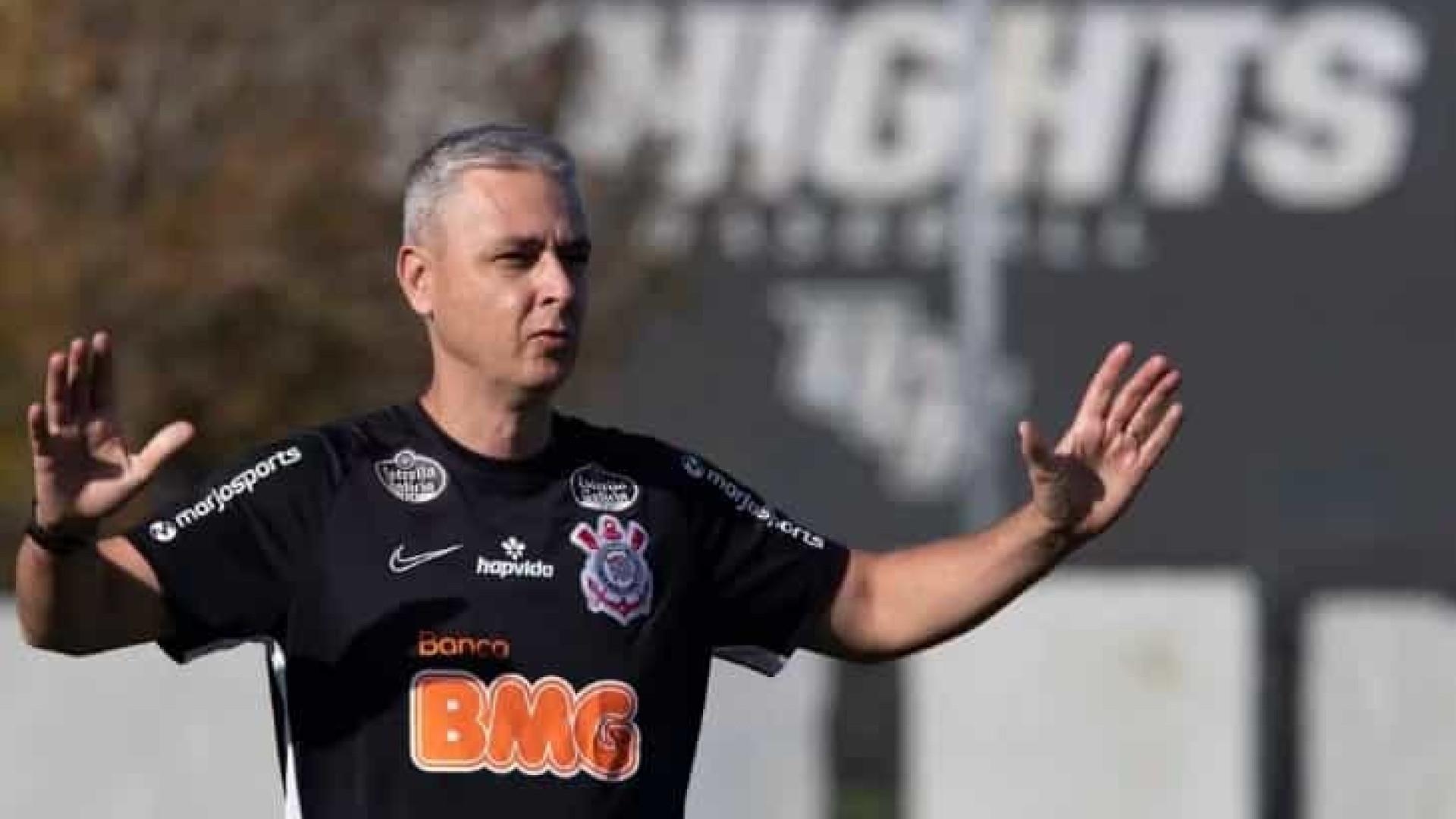 Tiago Nunes vai usar treinos da semana para reajustar o Corinthians