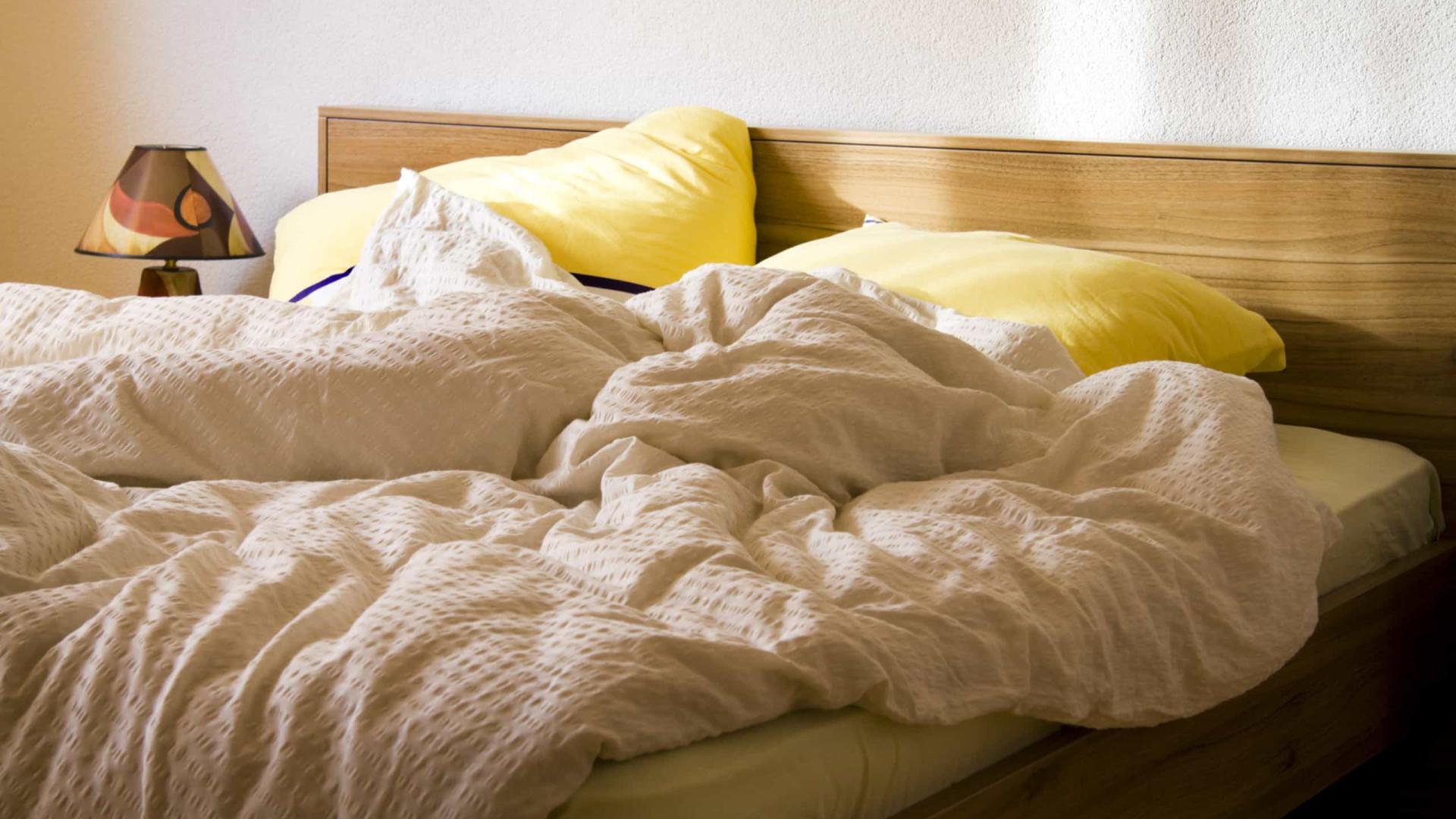 Não fazer a cama faz bem à saúde. A ciência explica