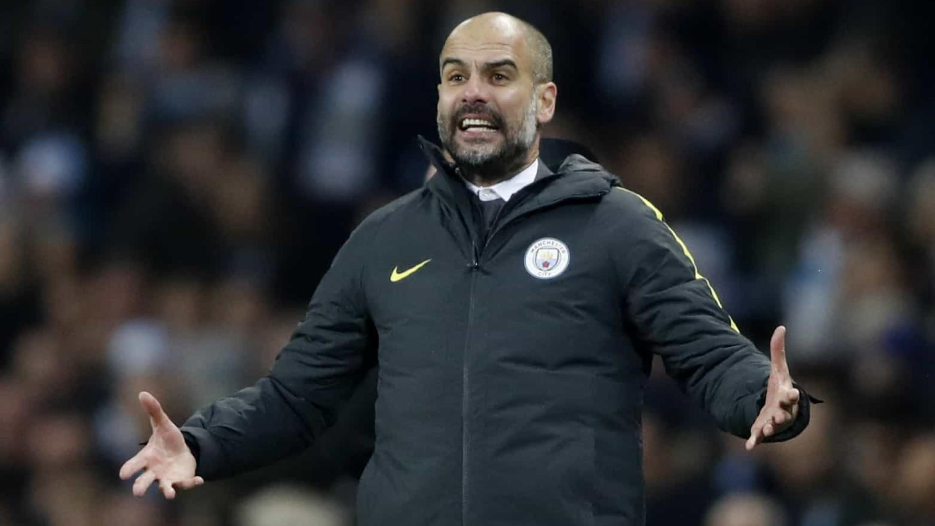 Guardiola 'joga a toalha' no Inglês e diz que City vai focar nas Copas