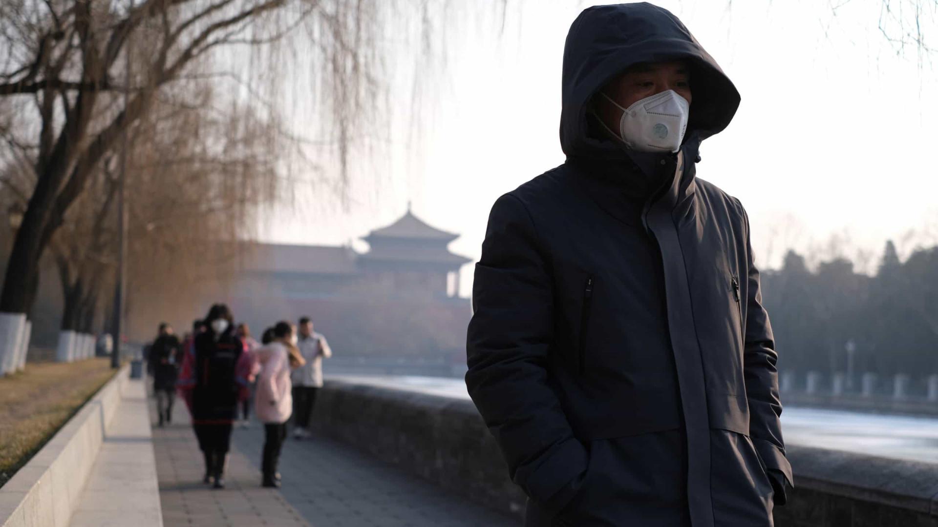China anuncia primeiro ensaio clínico de vacina contra Covid-19