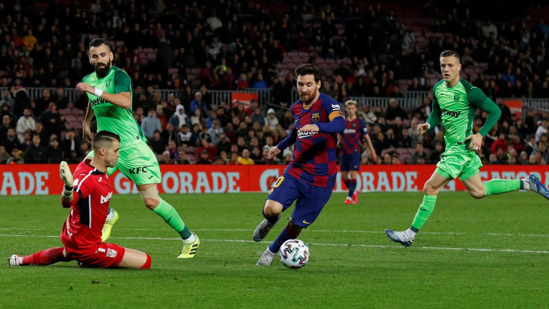 Com brilho de Messi e gol de Arthur, Barcelona goleia na Copa do Rei