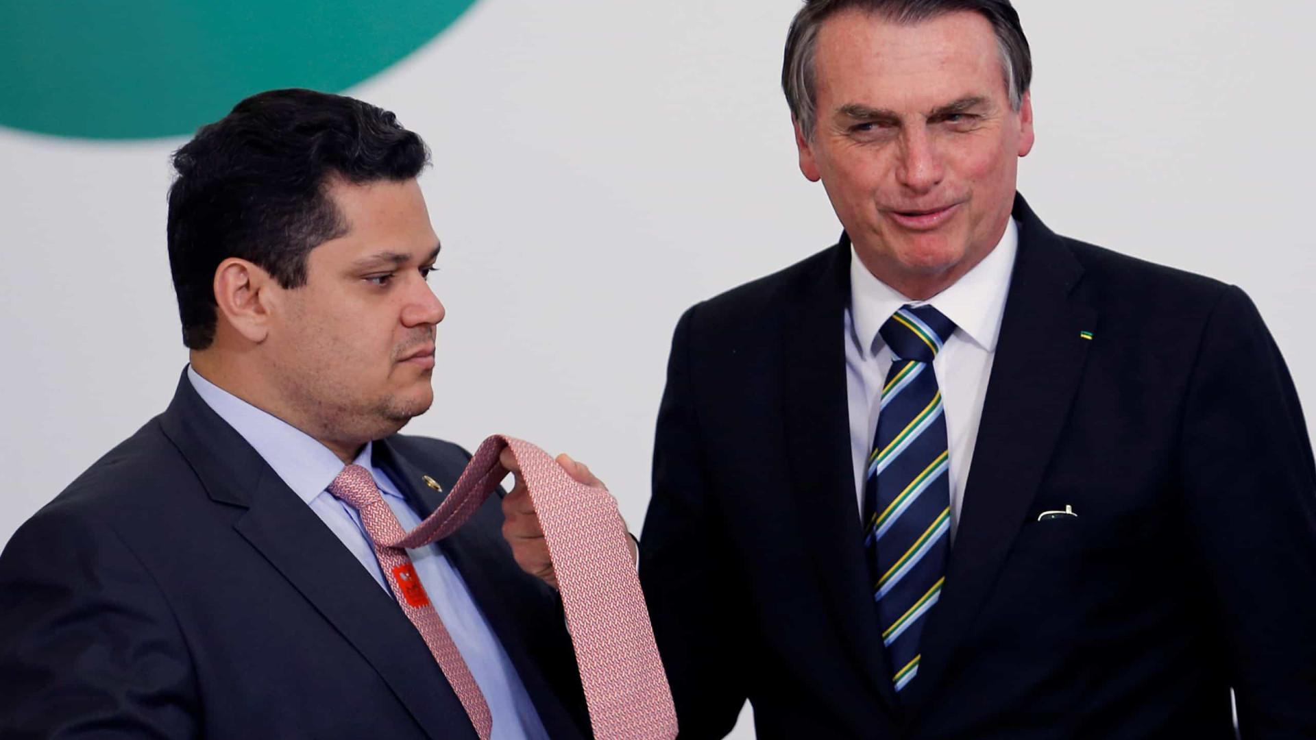 Na reabertura do Congresso, Bolsonaro e Alcolumbre convergem em pauta