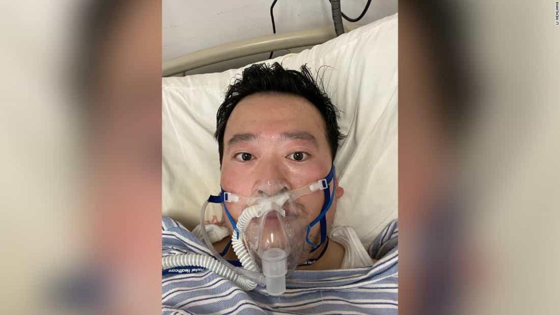 Médico que identificou coronavírus não morreu, está em estado crítico