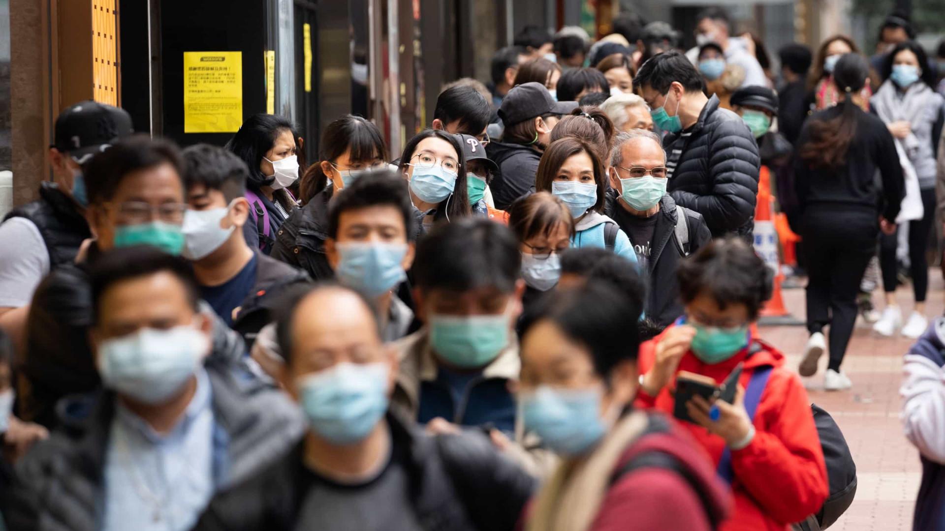 Polícia de Hong Kong procura duas pessoas que fugiram da quarentena