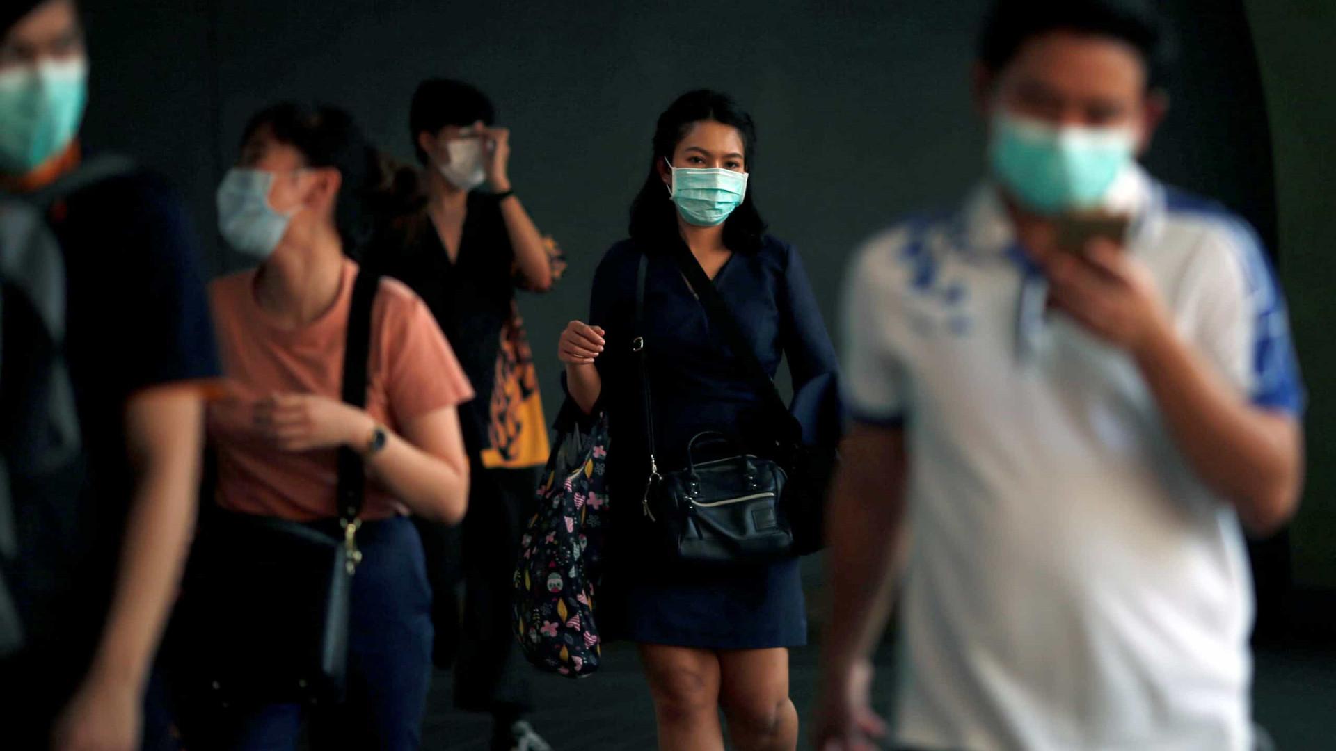 Cidade fantasma: taxista ajuda Wuhan de forma gratuita