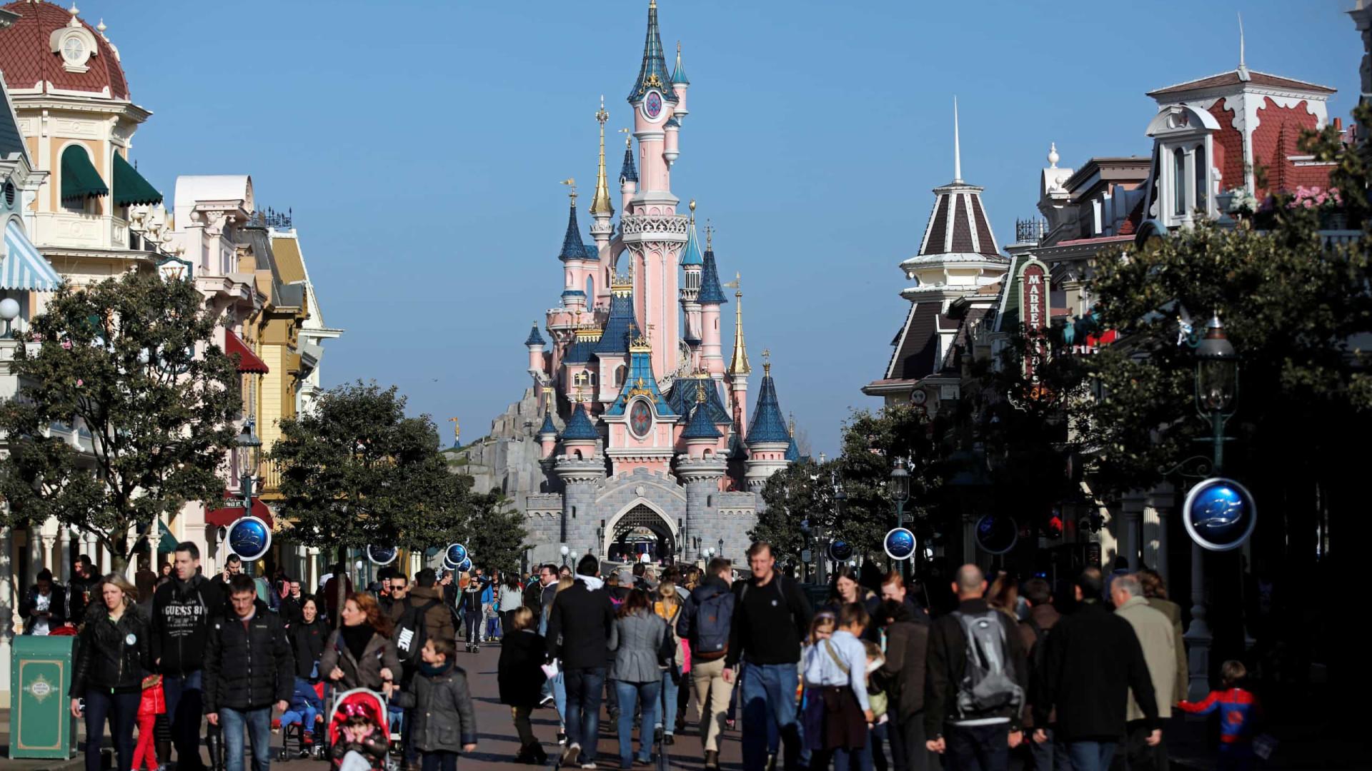Disney anuncia 32 mil cortes de empregos, principalmente em parques temáticos