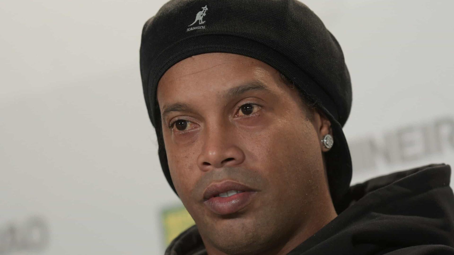 Perícia nos telefones de Ronaldinho e irmão apura ligação com quadrilha