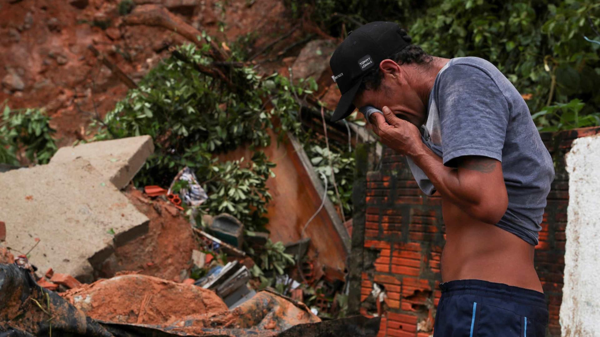 Bombeiros resgatam último corpo desaparecido na Baixada Santista