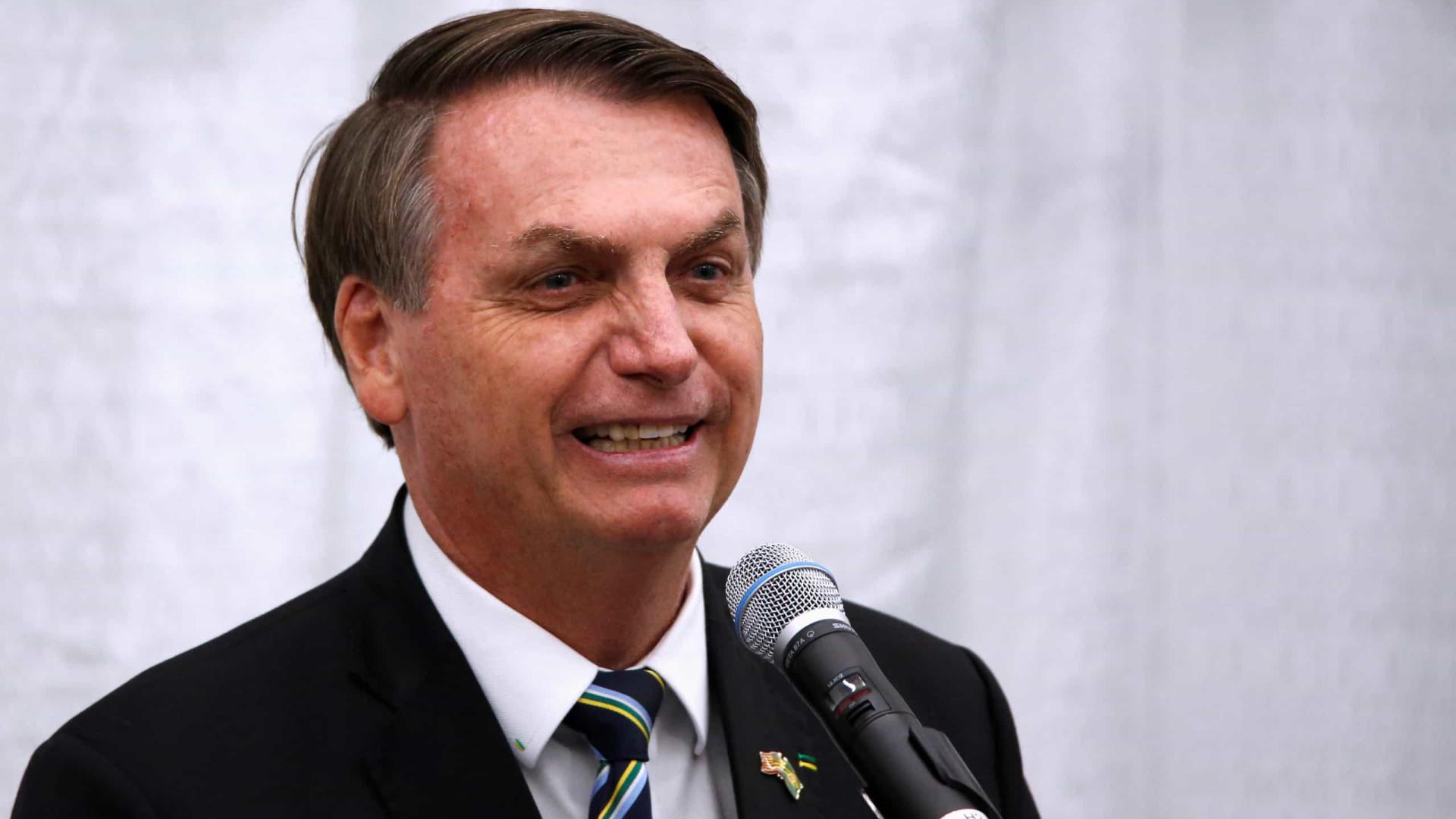 Bolsonaro diz que houve fraude e que na prática foi eleito no 1º turno