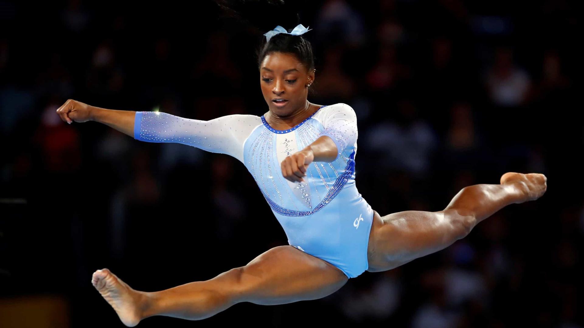 Favorita nos Jogos de Tóquio, Simone Biles diz que busca vencer a si mesma