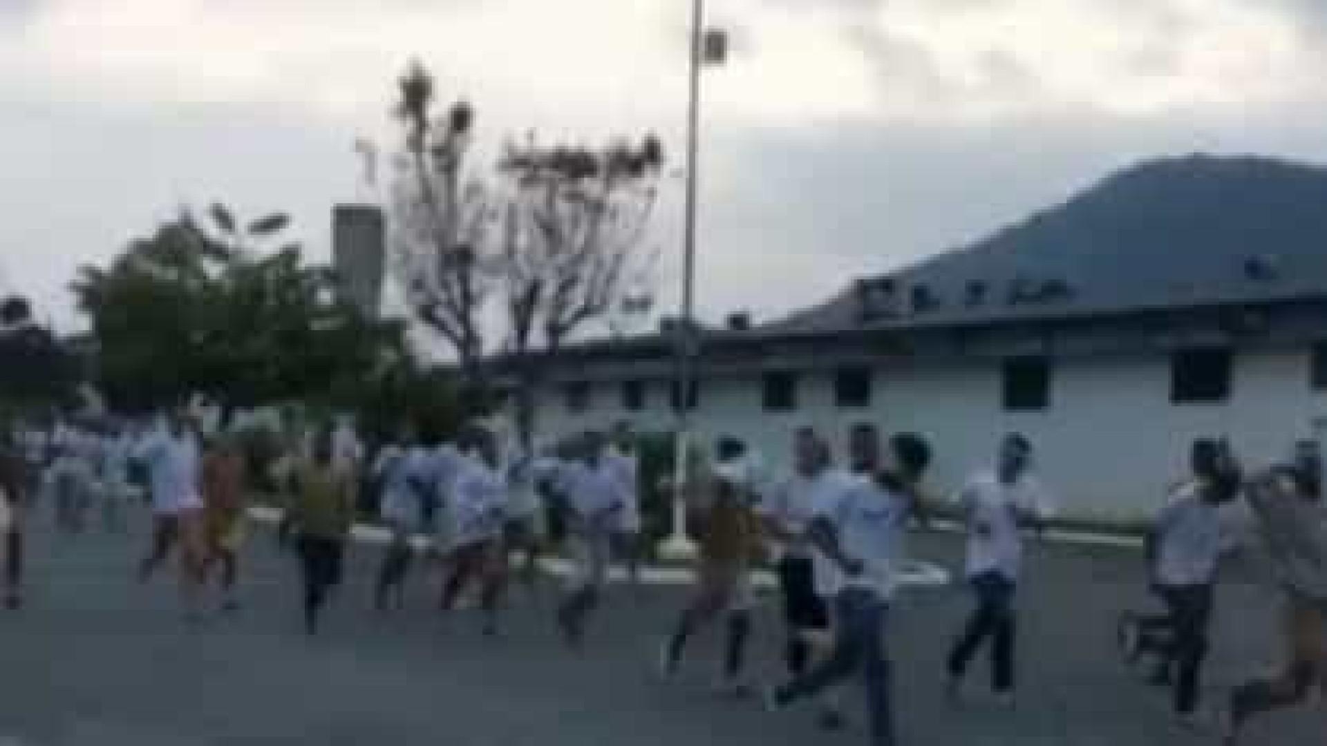 Centenas de detentos fogem de prisão no litoral de São Paulo