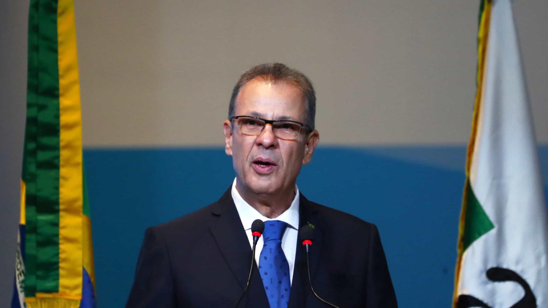 Ministro descarta apagão, mas fala em ações 'excepcionais'