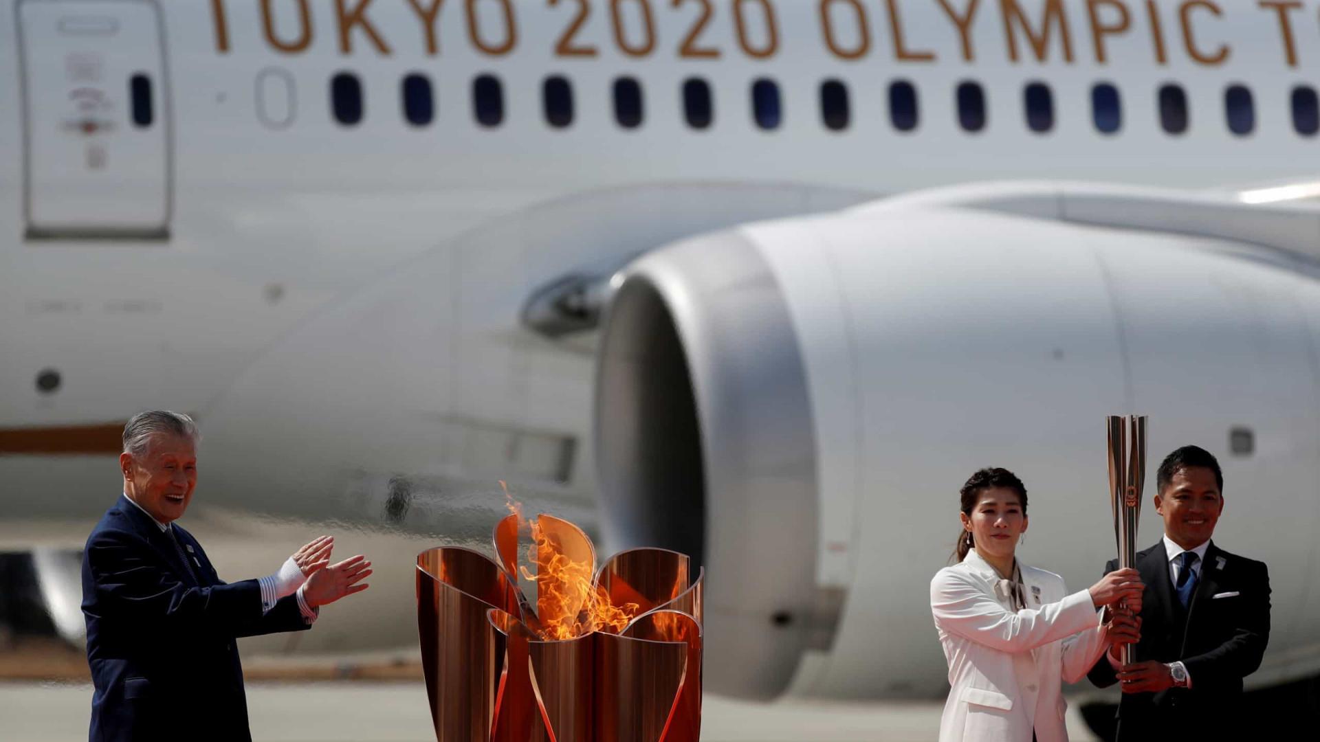 Simbolizando 'reconstrução' chama olímpica chega ao Japão