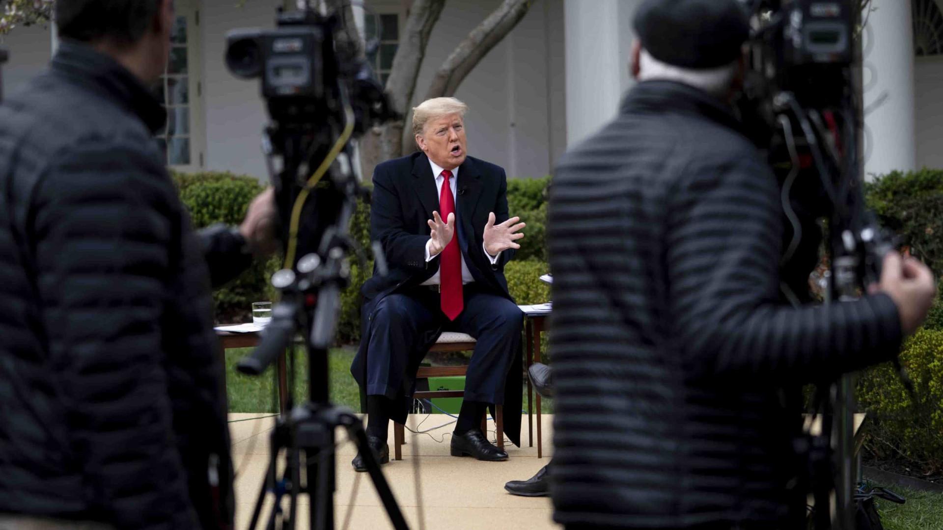 """Trump quer o país """"reaberto"""" até 12 de abril, contra advertência da OMS"""