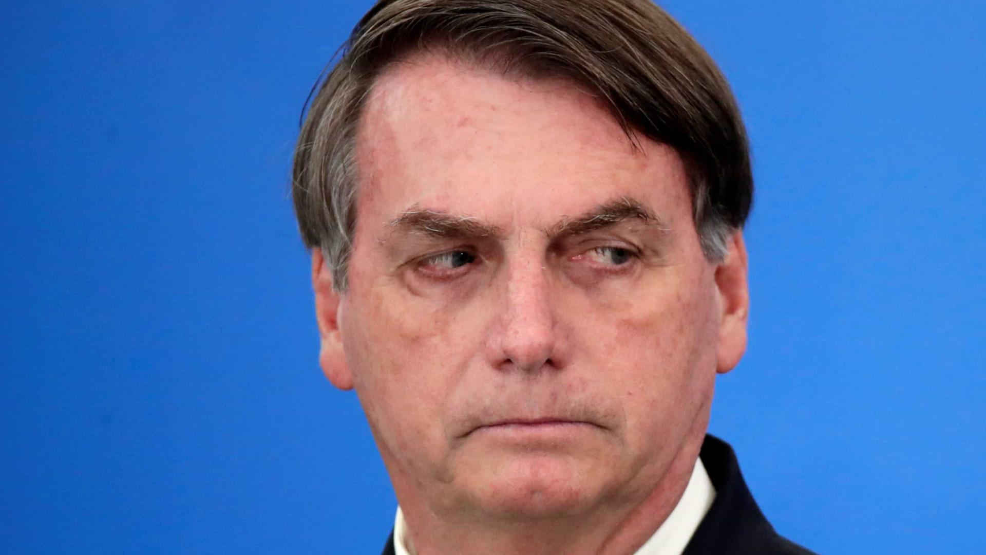 Em meio a apoiadores, Bolsonaro afirma que País não pode parar