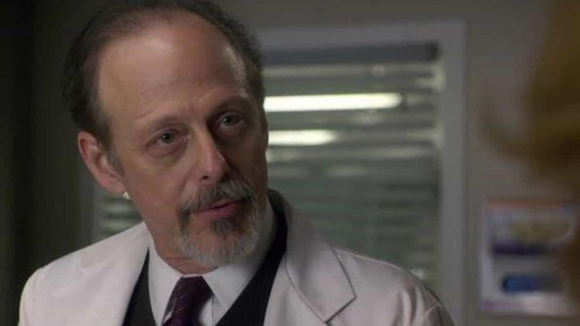 Morre Mark Blum, ator 'Crocodile Dundee', por complicações do covid-19