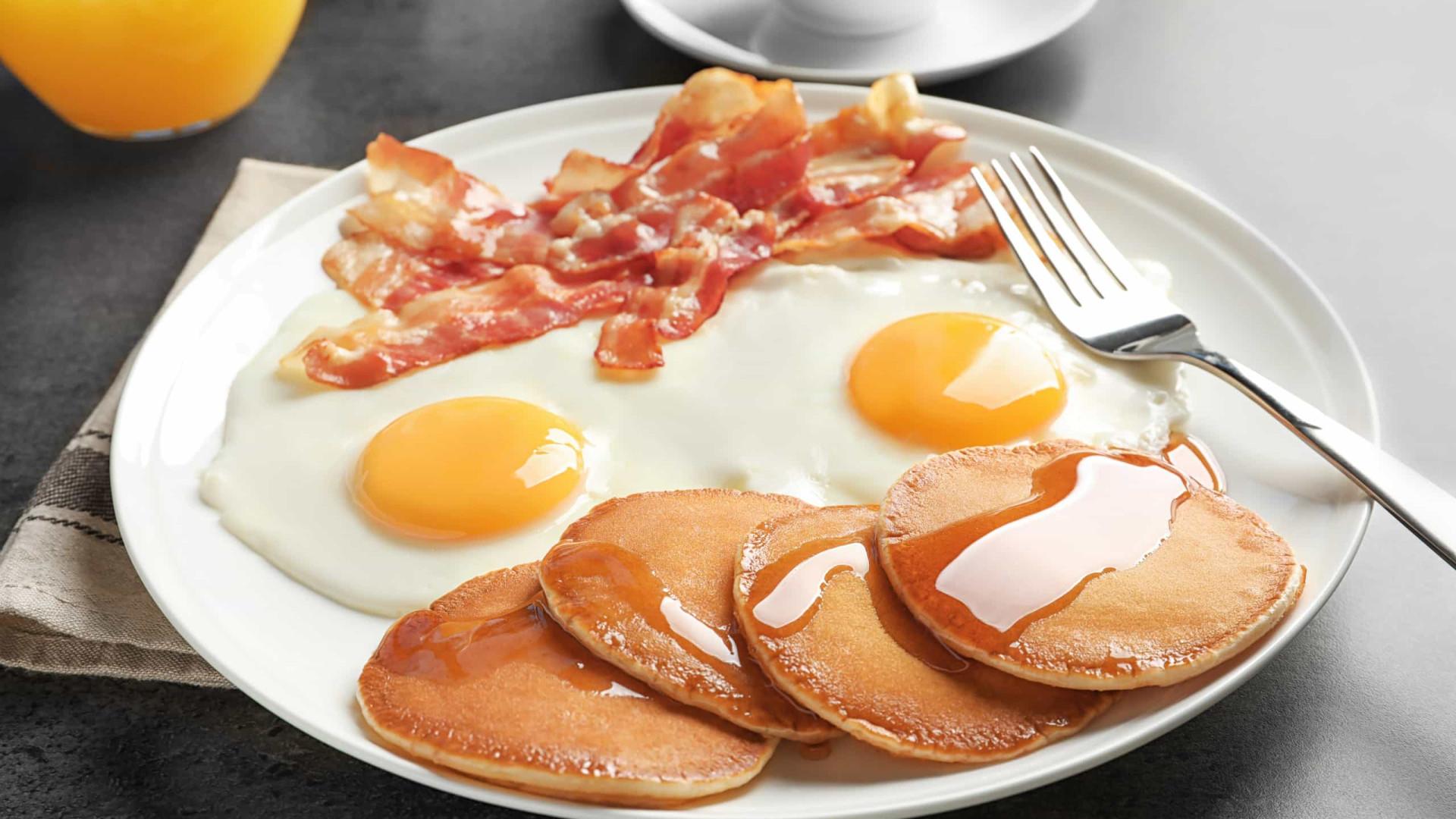 Atenção: 5 alimentos que vão fazer com que engorde na quarentena