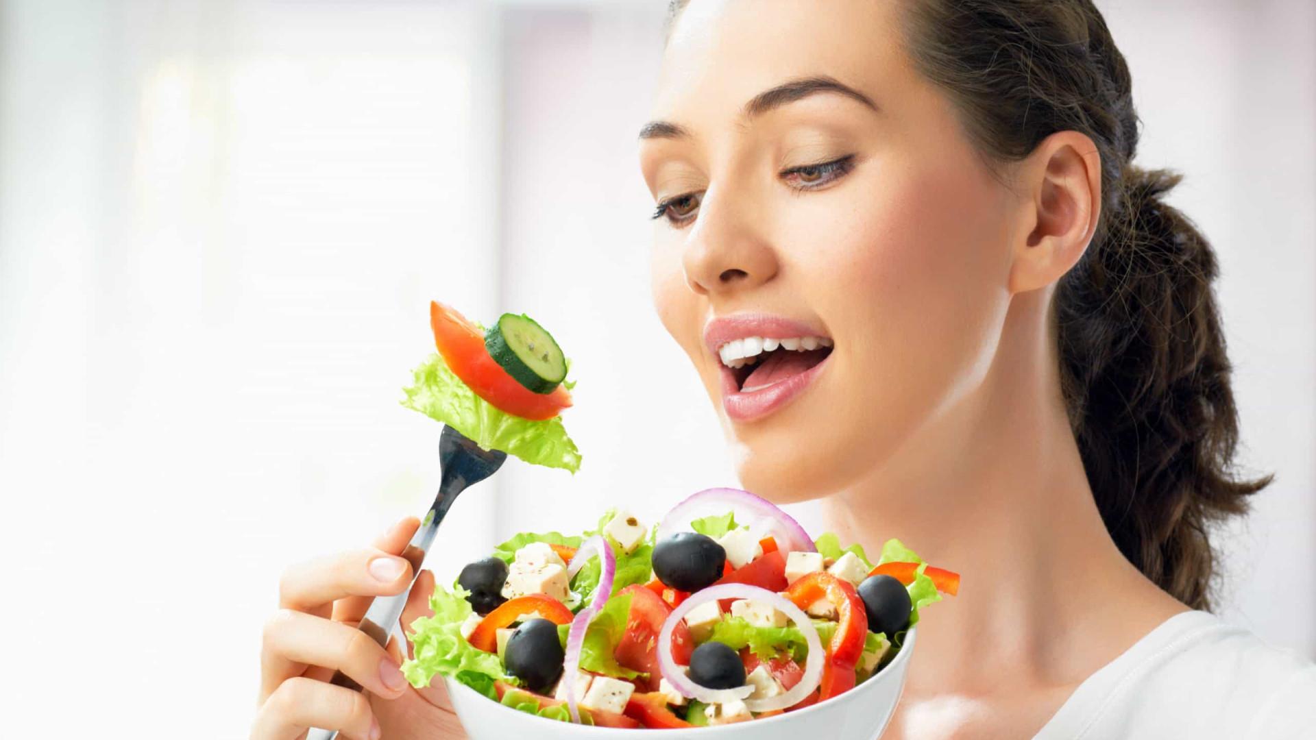 Iniciou uma dieta 'low-carb' e não consegue perder peso? Cinco motivos