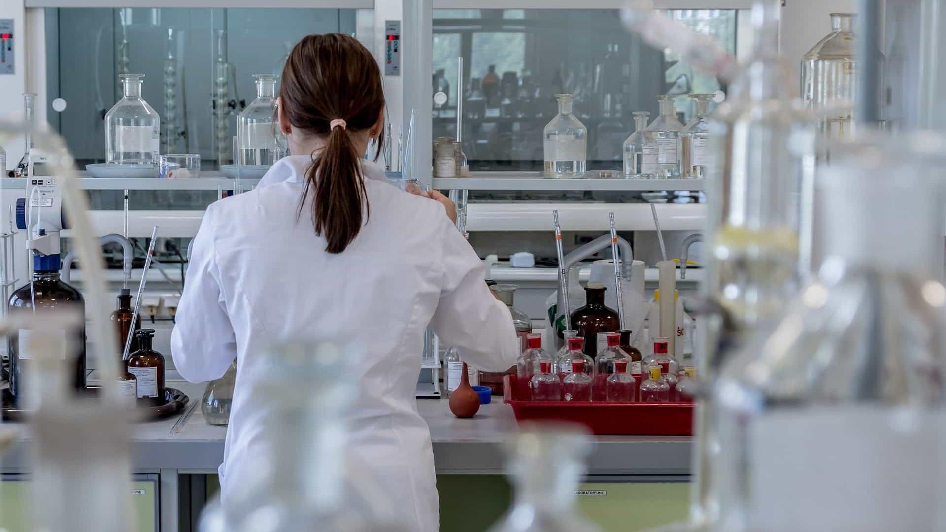 90% das cientistas premiadas do Brasil relatam machismo