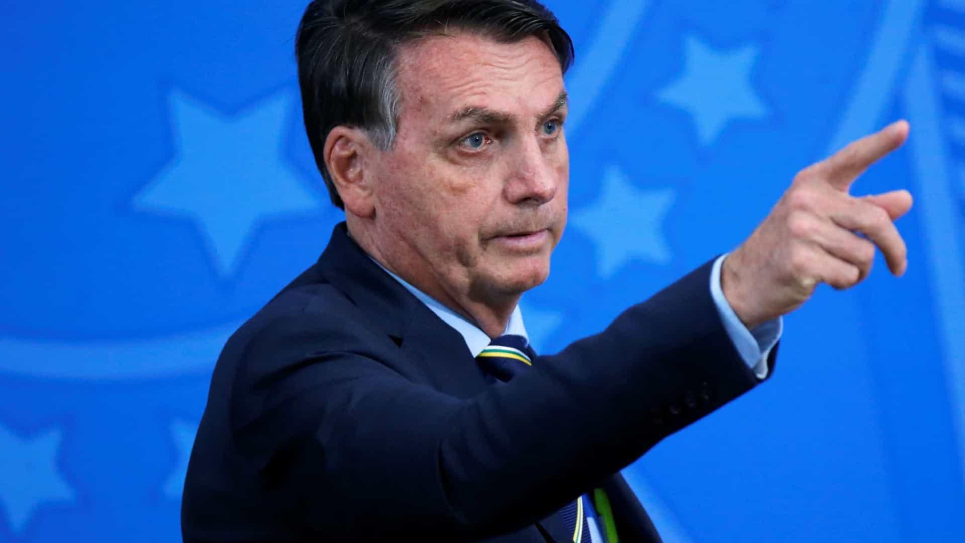 'Ninguém vai querer dar o golpe para cima de mim, não', diz Bolsonaro