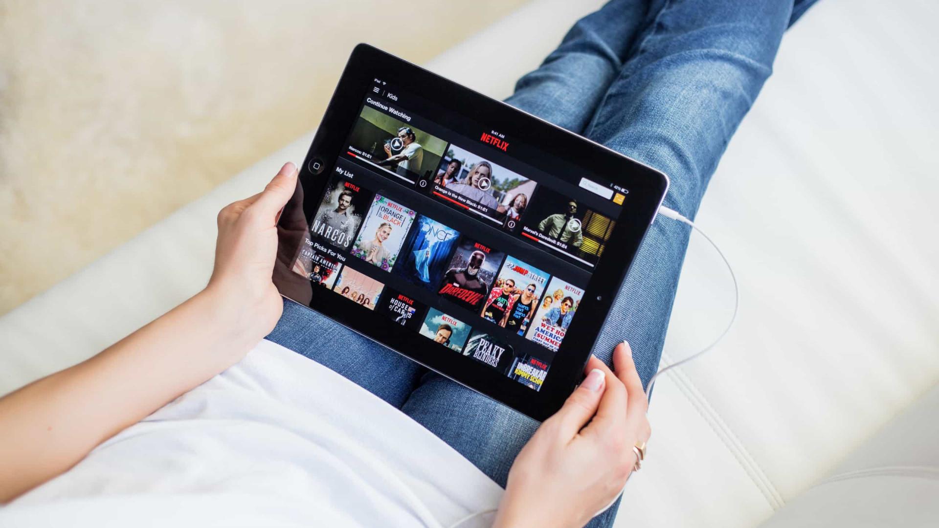 Séries com Dakota Fanning, Lily Collins e Tainá Müller estreiam em outubro na Netflix
