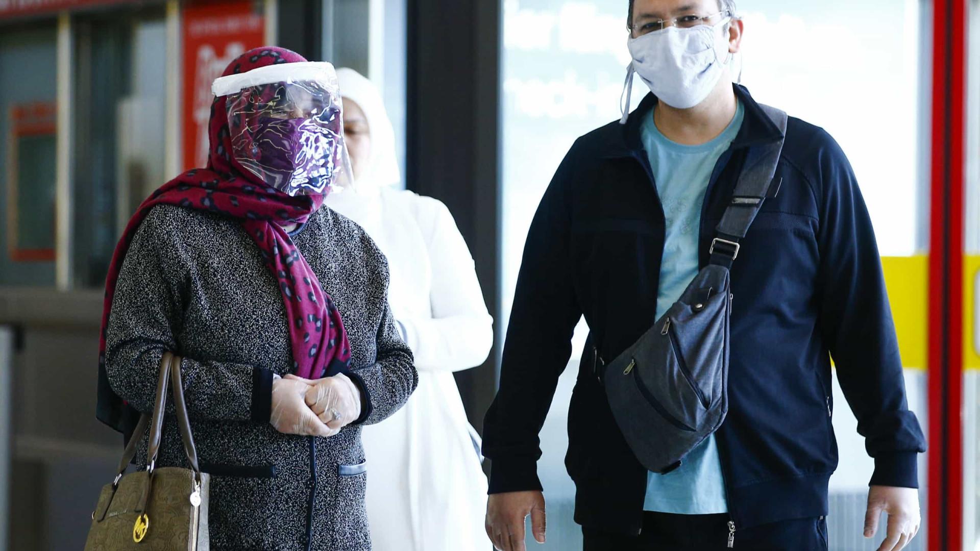 """Governo turco diz que pandemia está """"controlada"""" no país"""