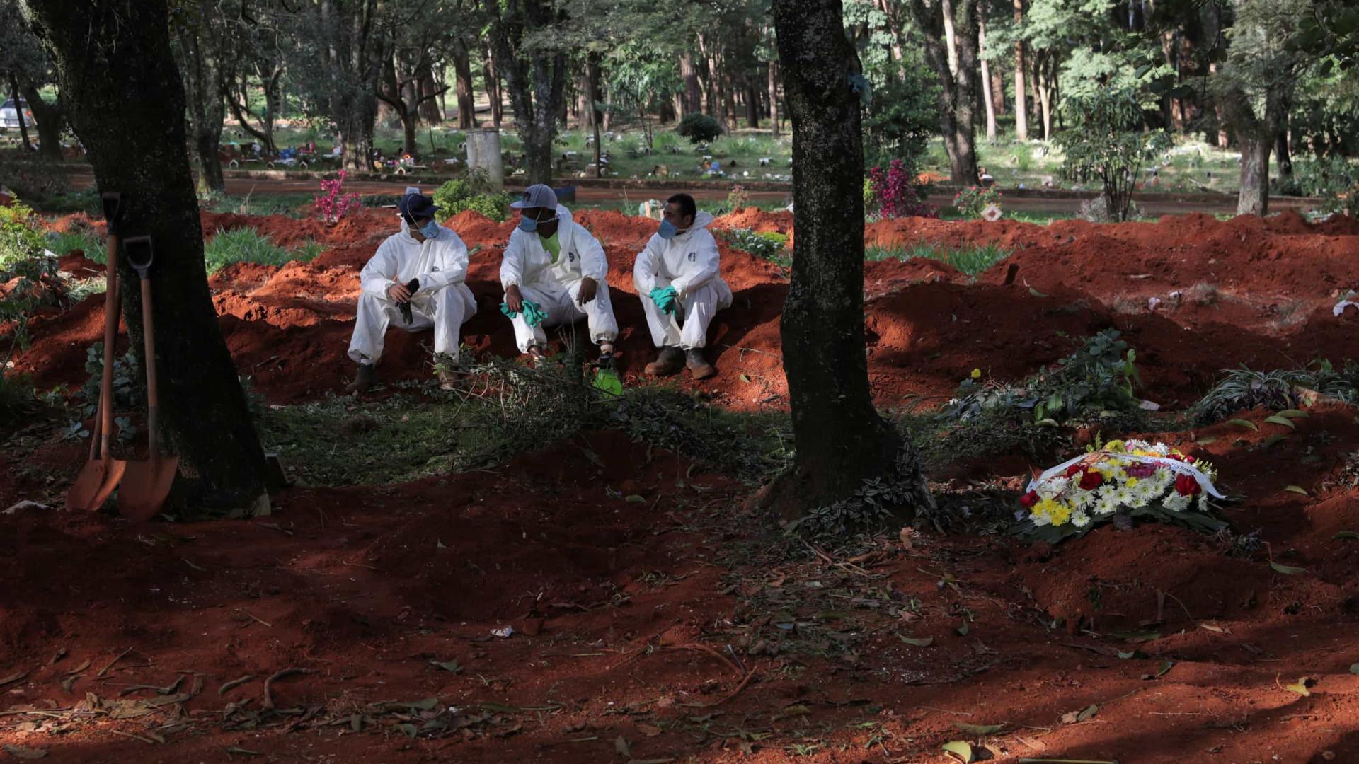 Plano funerário emergencial de SP com crise prevê abrir 13 mil covas