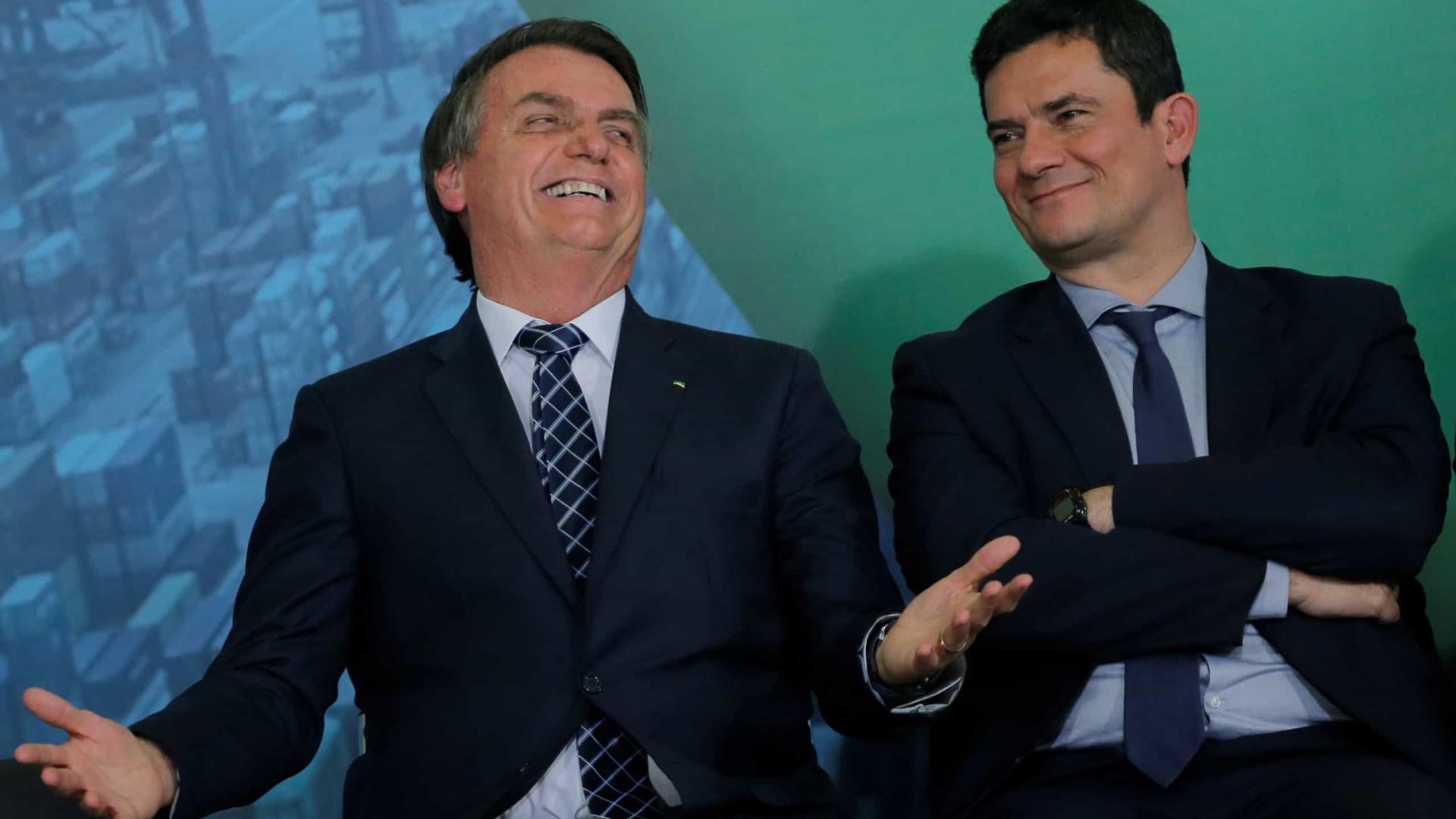 Após Moro divulgar conversas, Bolsonaro diz que o apoiou vazamento