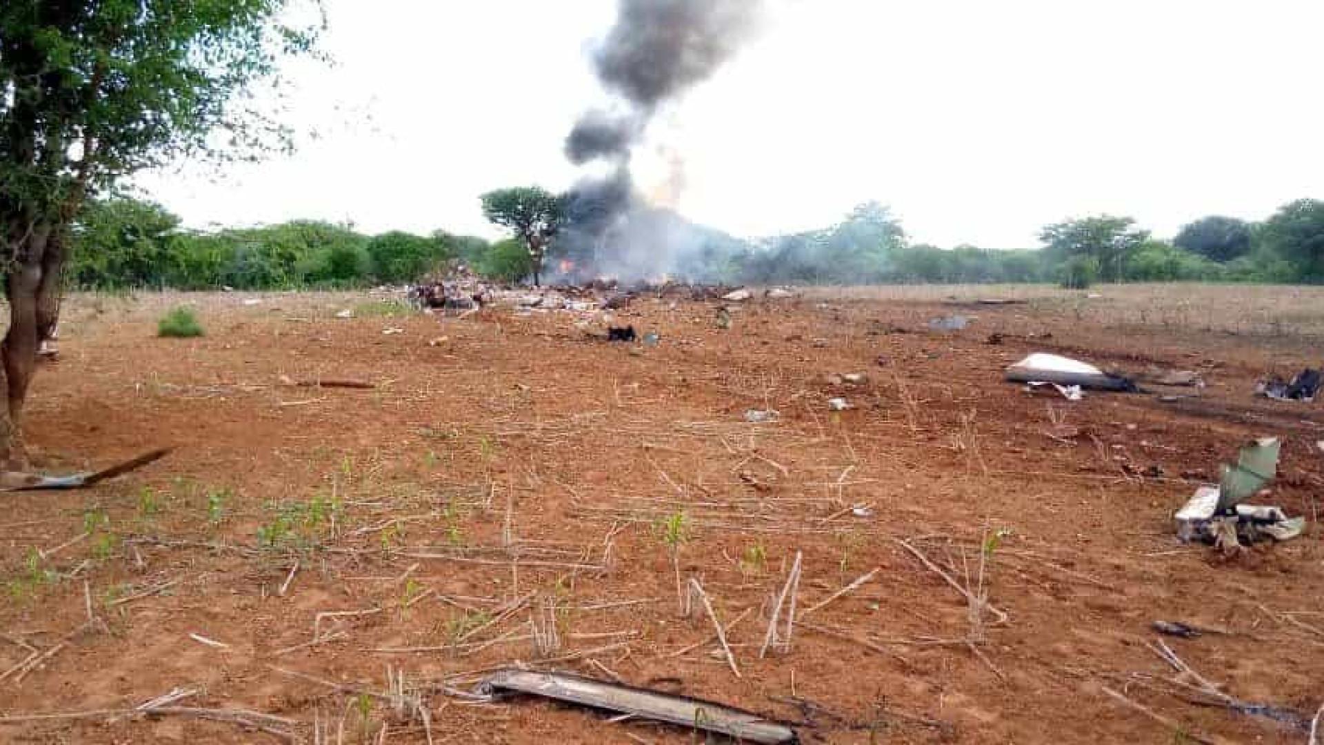 Avião que transportava ajuda humanitária cai na Somália