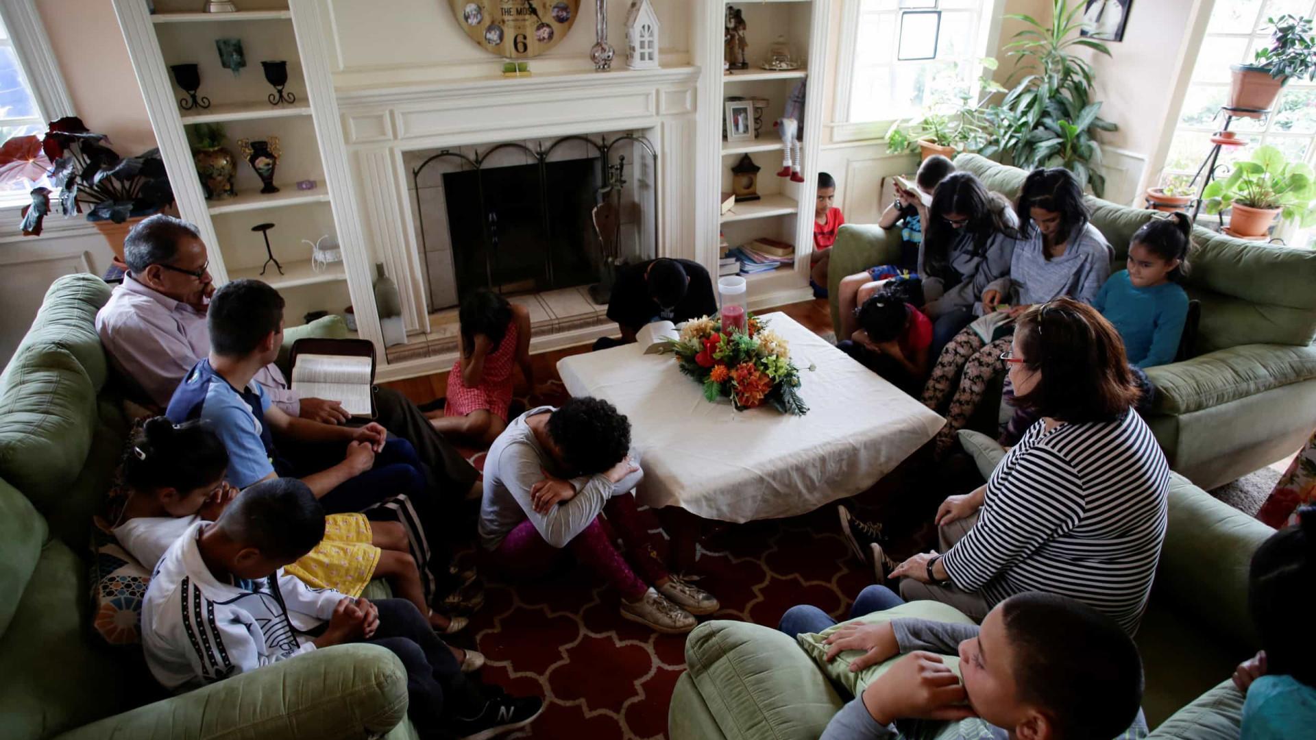 Quarentena de casal da Costa Rica é em casa com 31 filhos