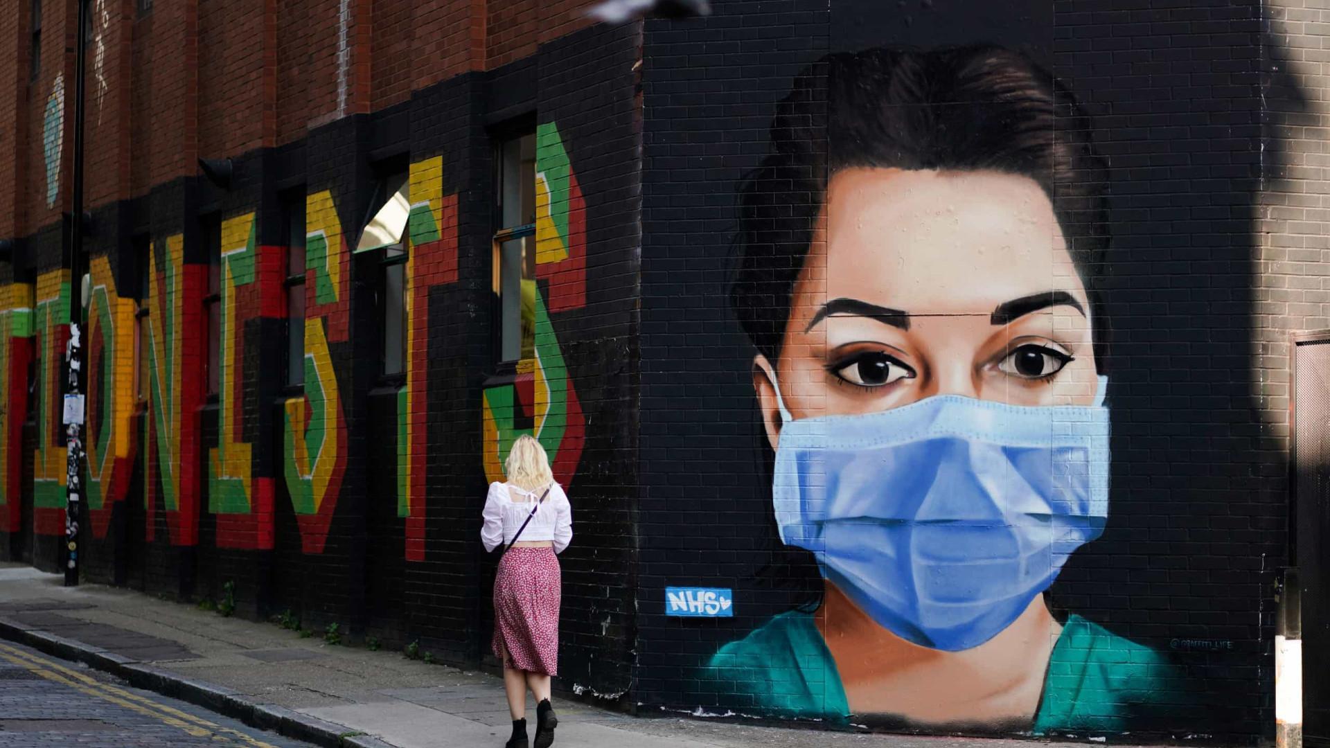 Arte de rua do mundo inteiro inspirada no coronavírus