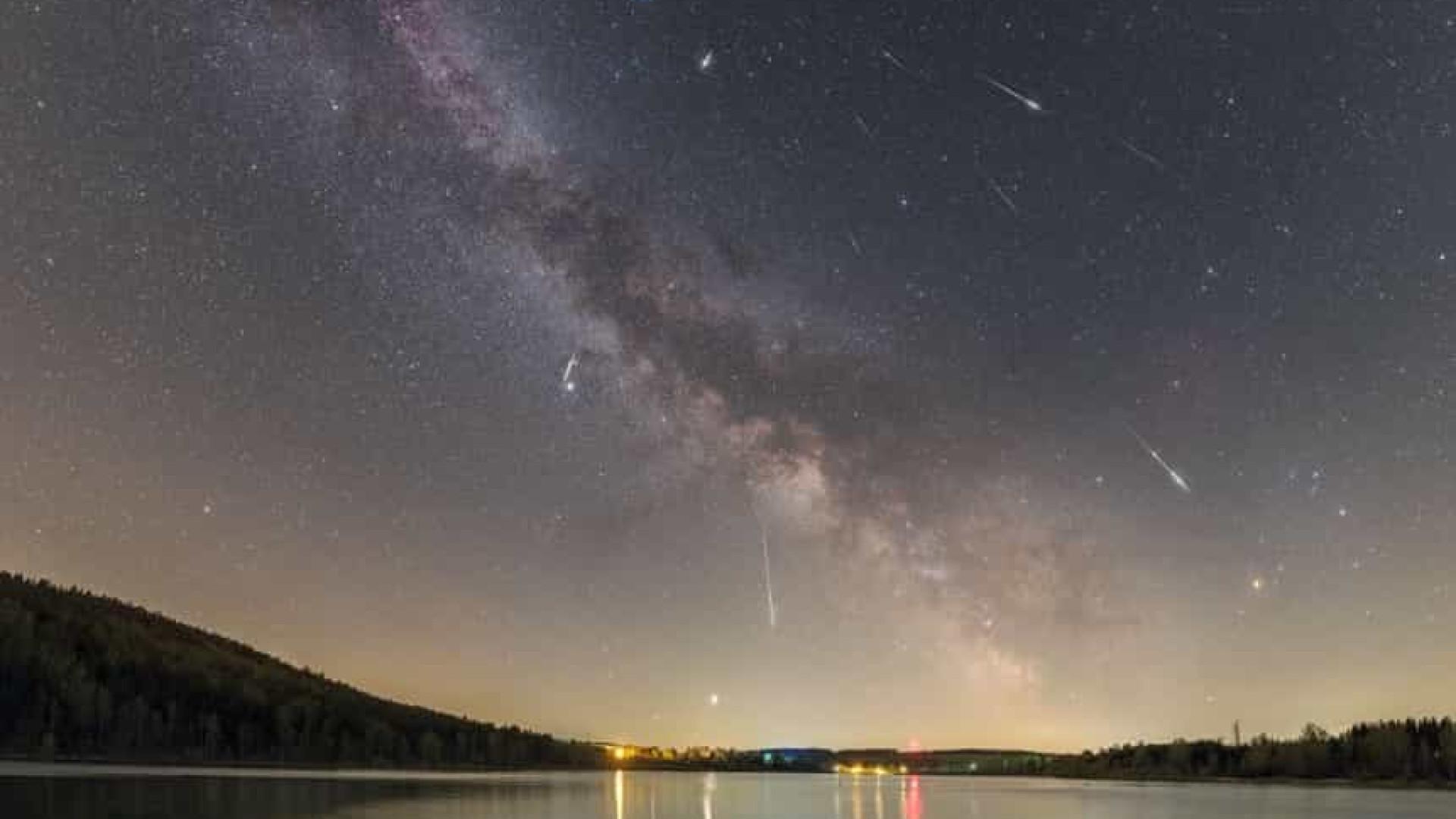 NASA posta imagem imperdível de chuva de meteoros