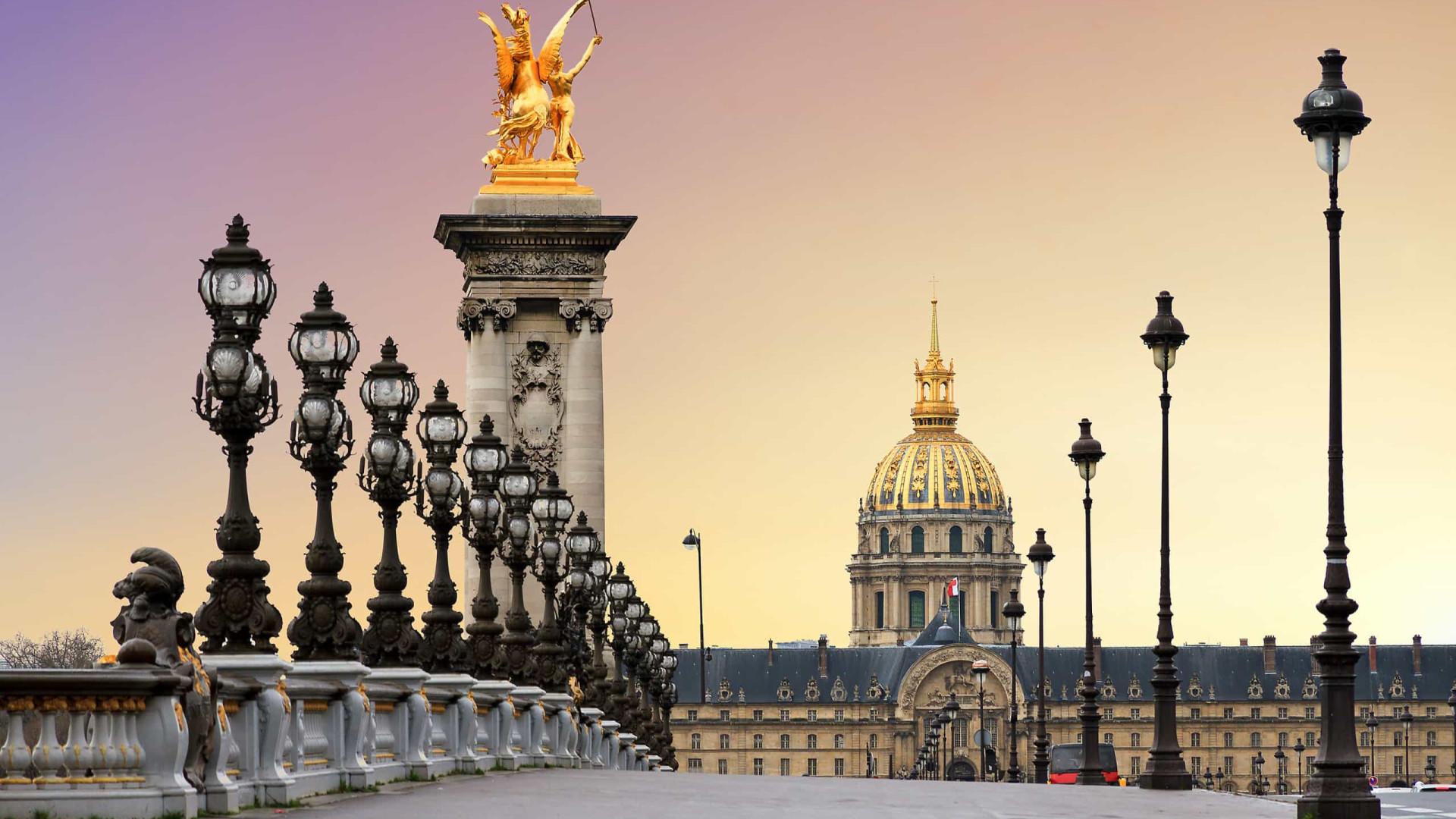 Ministro francês nega pedido de prefeita para reabrir parques de Paris