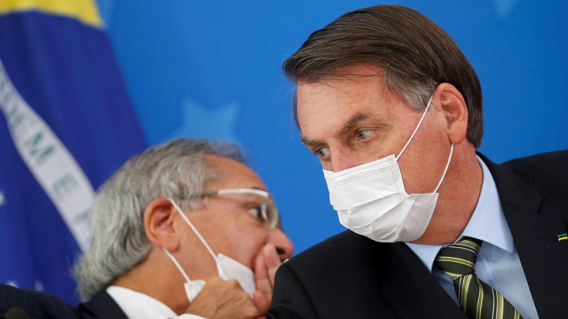 Bolsonaro sanciona lei de ajuda a estados, mas veta parte dos benefícios