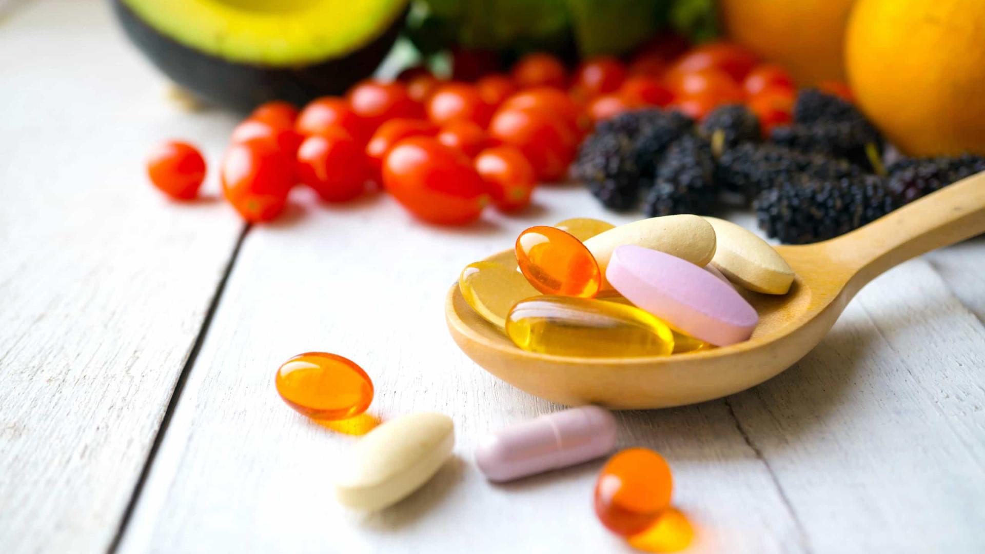 Os perigos de ingerir suplementos de vitamina C em demasia