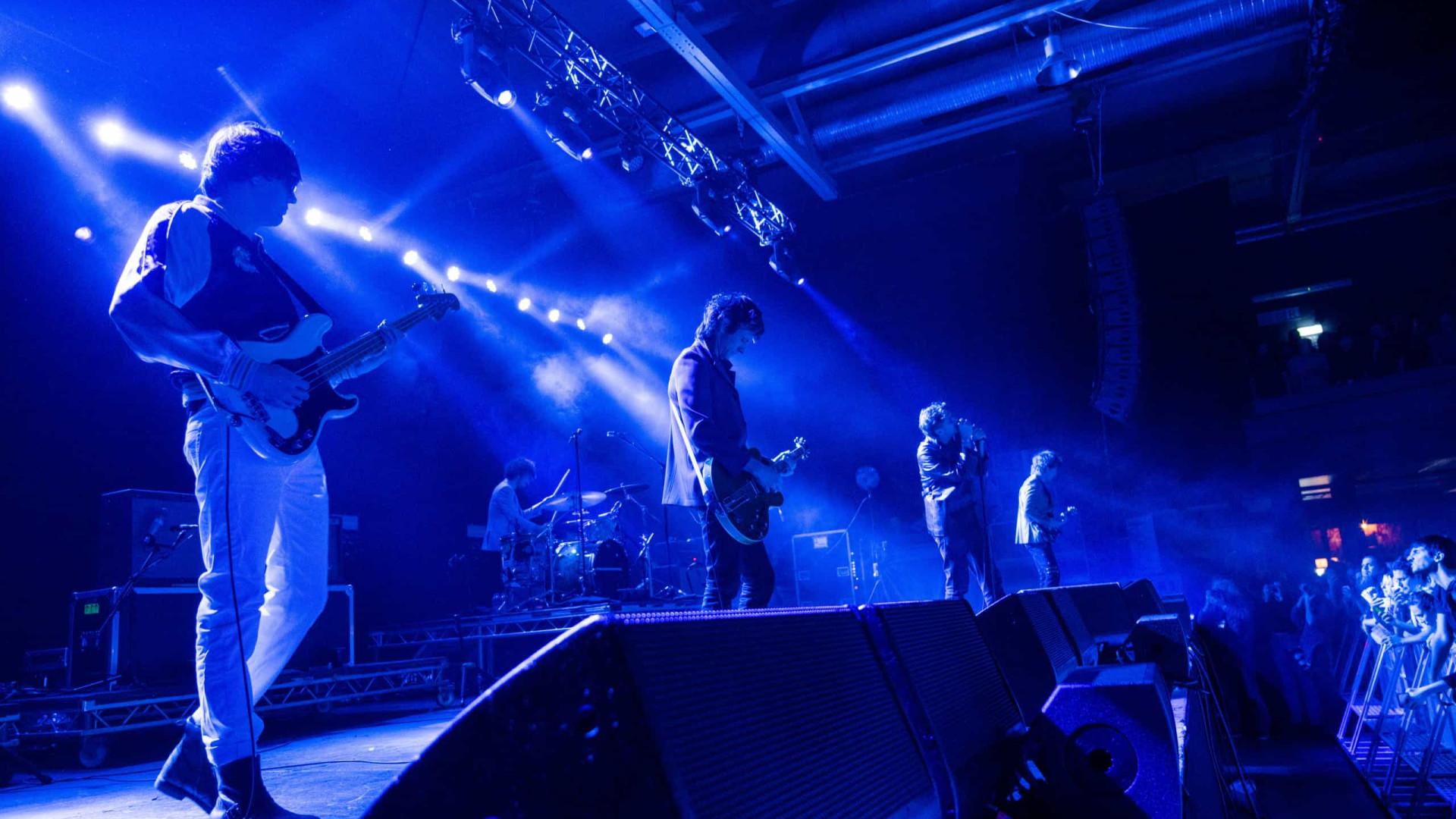 Guitarrista dos Strokes diz que disco fez banda se sentir 'inocente'